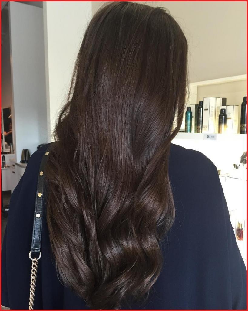 длинные волосы шоколадного оттенка