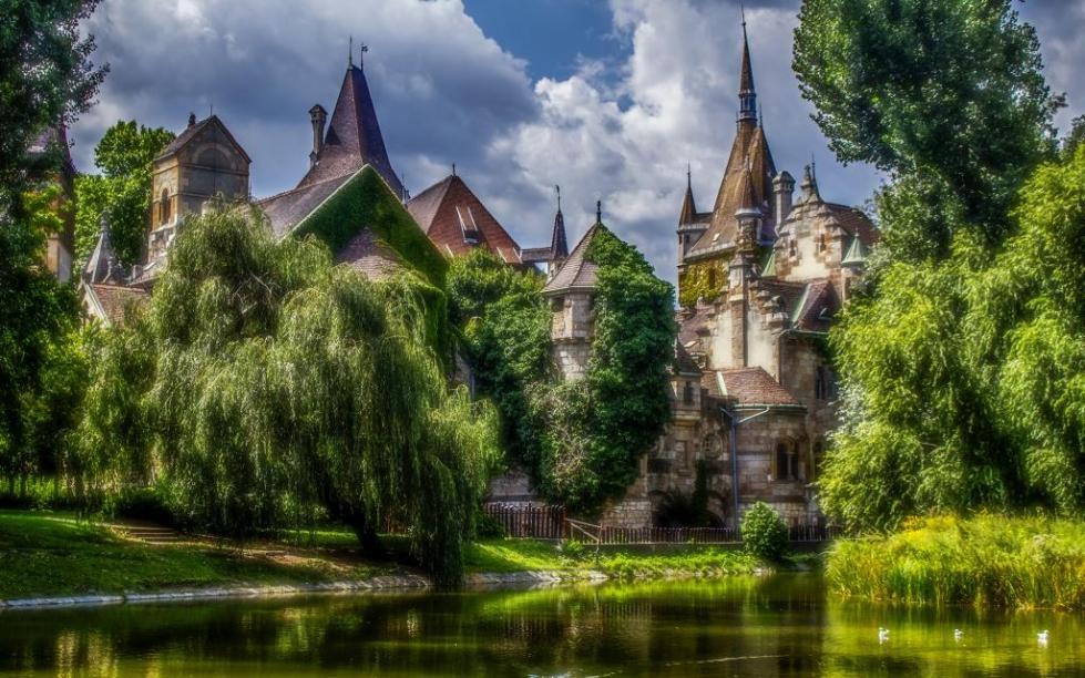 Замок, неизменно вызывающий восхищение