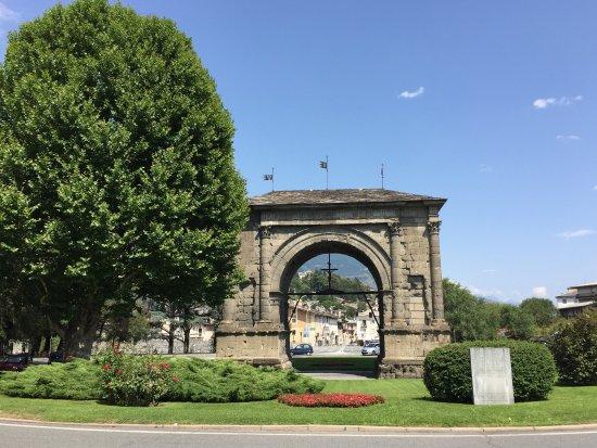 Ворота Августа в Аосте