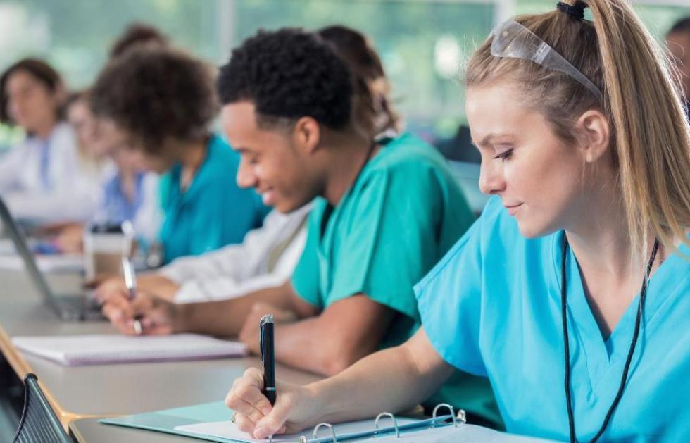 зарплаты врачей в сша по специальностям