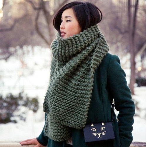большой шарф цвета хаки
