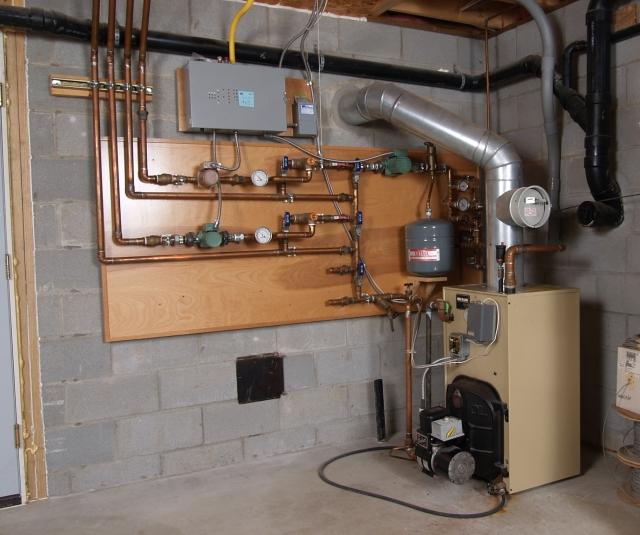 Автоматический сброс воздуха в системе отопления