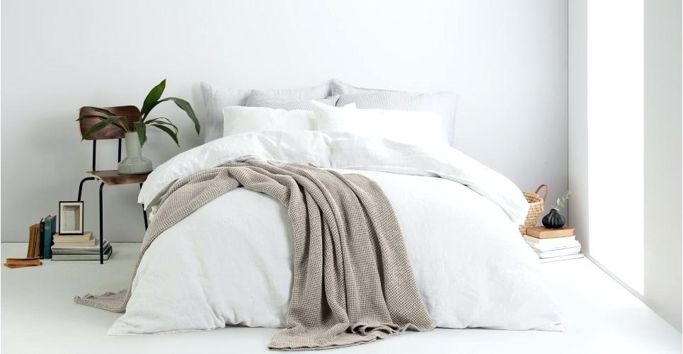 Queen size кровать