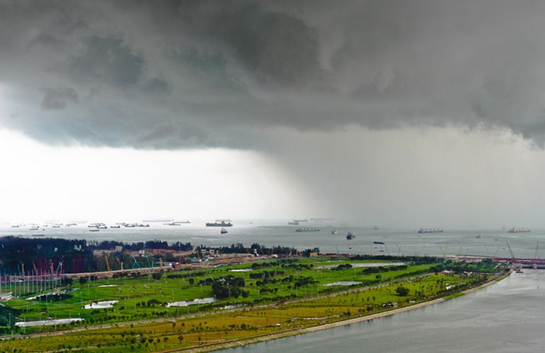 шторм в Сингапуре