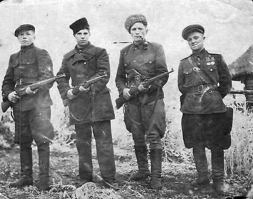 Бойцы истребительных батальонов