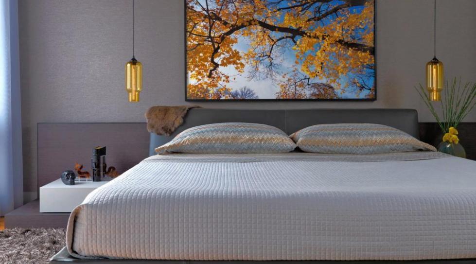 панно над кроватью в спальне