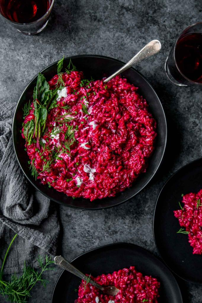 салат из свеклы с чесноком и сметаной