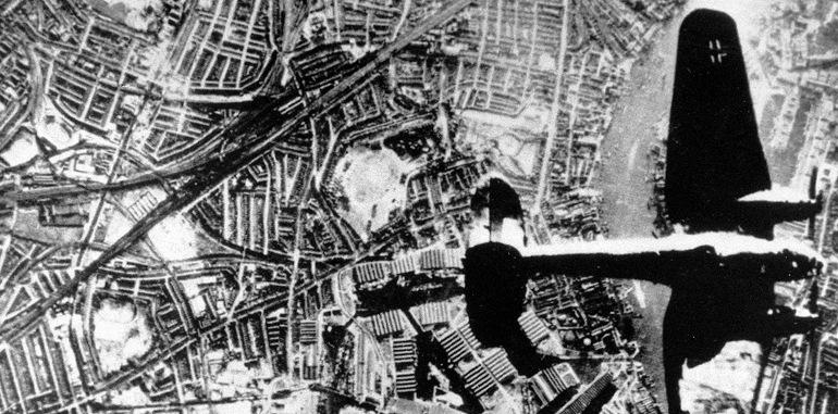 Бомбят немцы