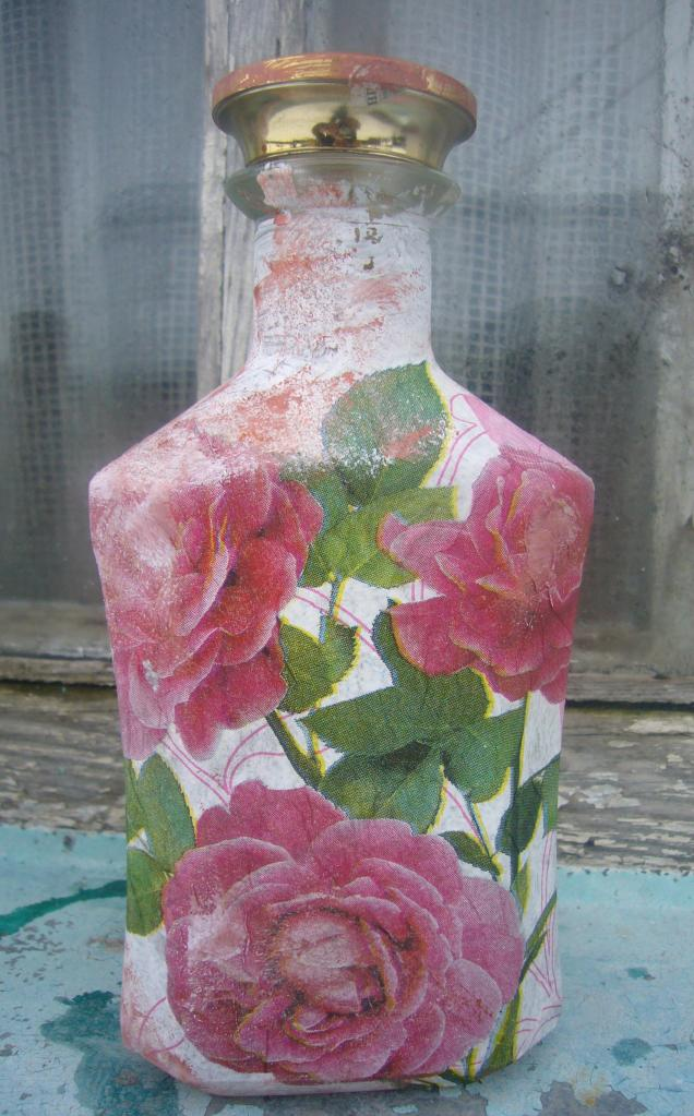 Бутылка в технике декупажа