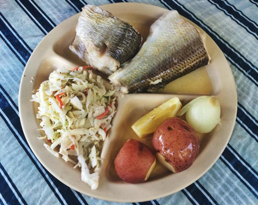 Блюдо из вареной рыбы