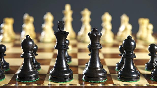 Чем отличаются шахматы от шашек?