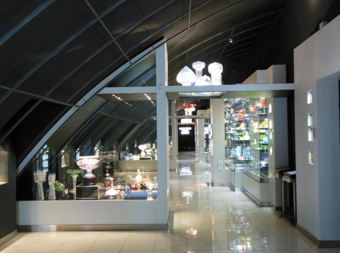 Экспозиция музея стекла