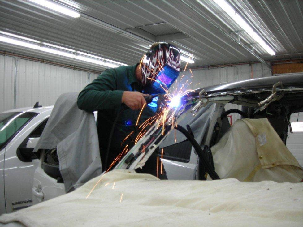 Аппараты для сварки кузова автомобиля