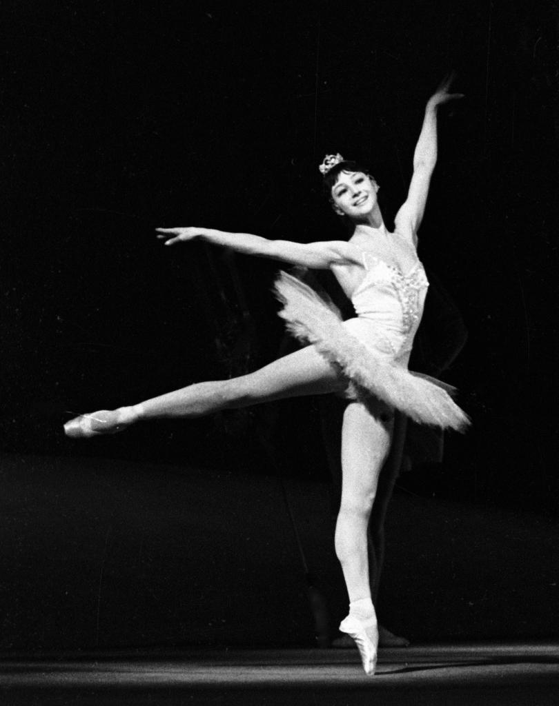 Балерина Екатерина Максимова