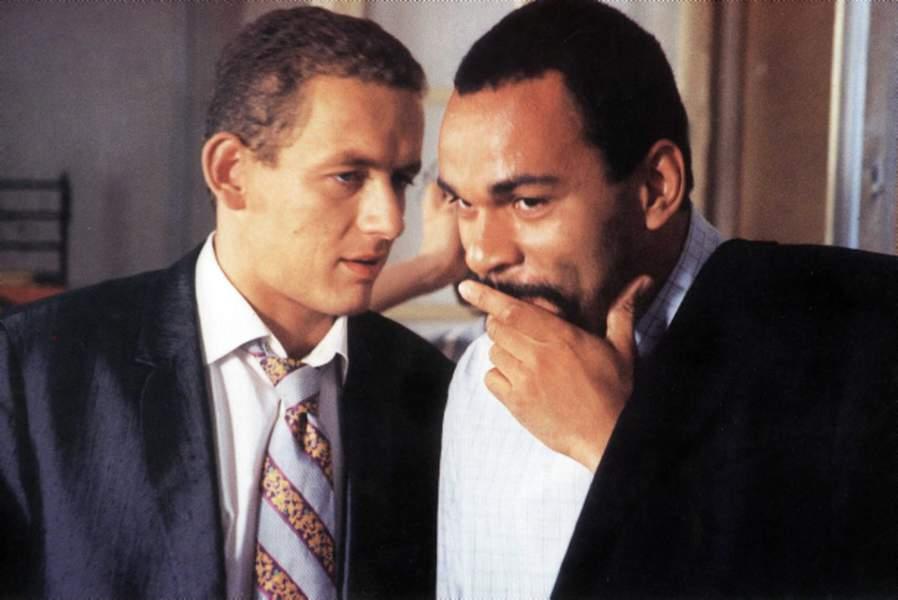 кадр из фильма с Дени Буном