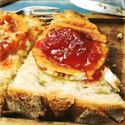 Brot mit Tomatenmarmelade Cafe La Flor Santiago de Compostela