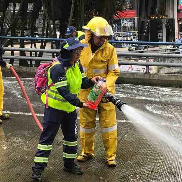 Duft ins Löschwasser (Bild: Martina Schäfer, Textrakt)
