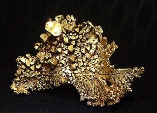Gold in geometrischen Mustern