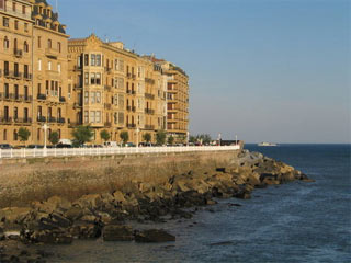 El Casco Viejo - Die Altstadt San Sebastiáns bei ruhiger See