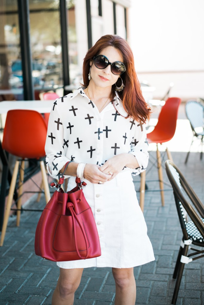 ALL WHITE OUTFIT, RICE VILLAGE, RED BUCKET BAG, ZARA, BLACK SUNNIES