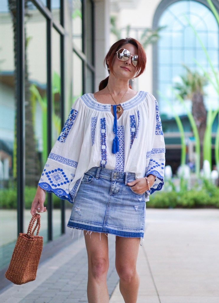 peasant blouse, blue and white shirt, embroidered shirt, denim skirt, straw bag