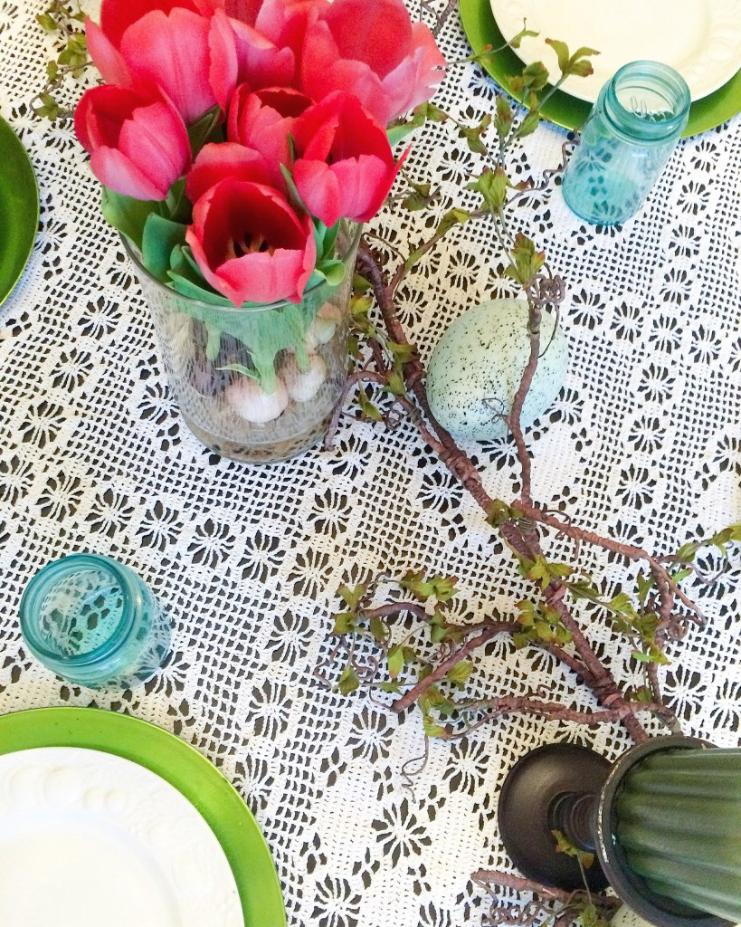 EASTER TABLETOP, TABLESCAPE, EASTER, TEAL MASON JARS, TULIPS, LACE TABLECLOTH, SPRING TABLESCAPE