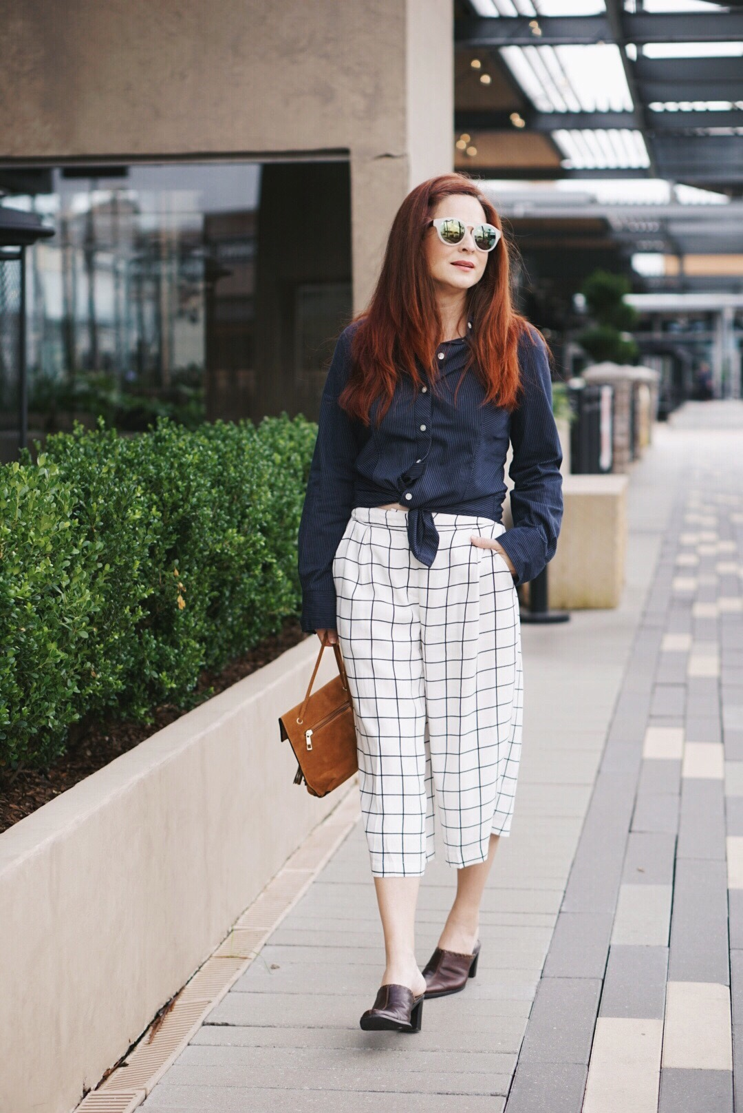 grid culotte outfits, button up striped shirt, brown slip-ons, suede bag, white sunnies, grid culottes, forever 21