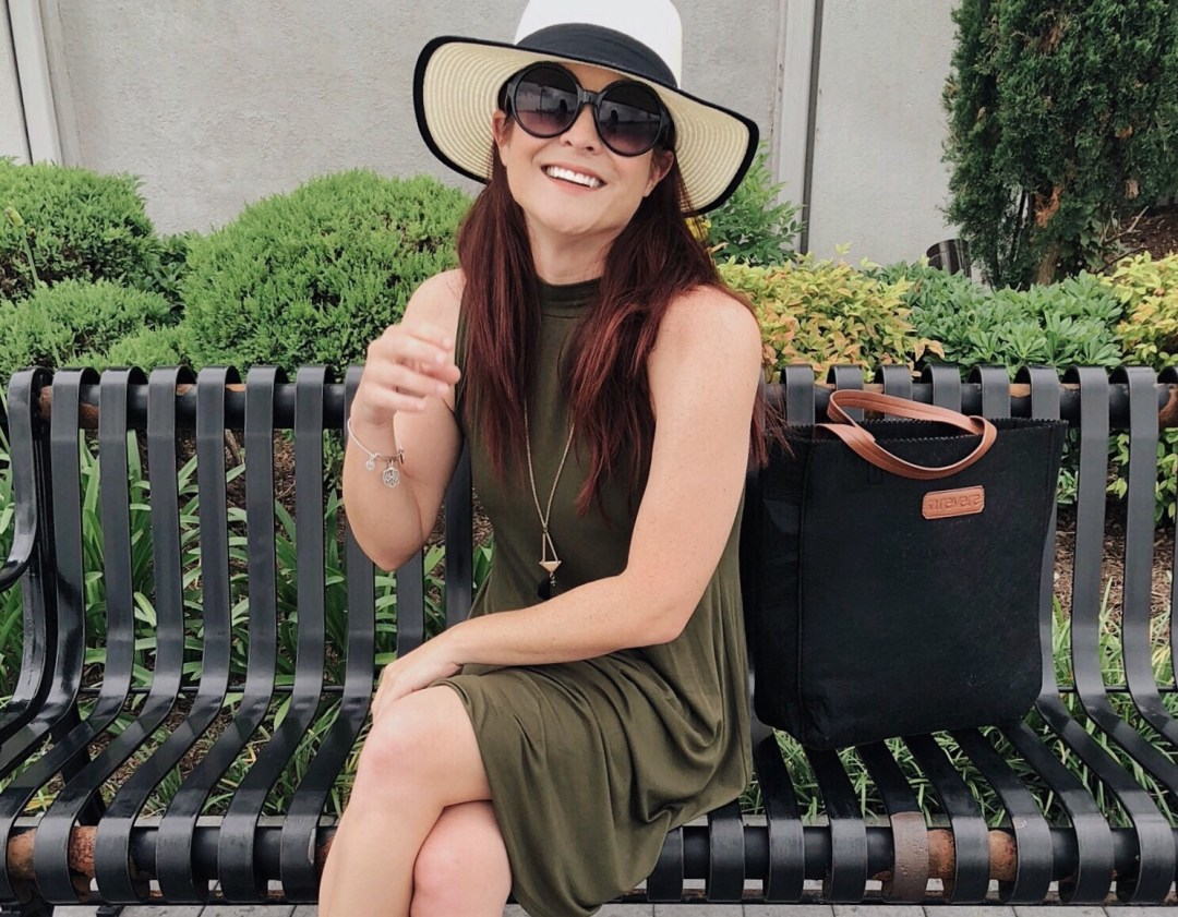 casual style, green dresses, black round sunglasses, outfit ideas with hats, summer style