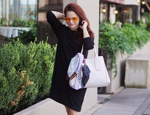 silk scarves, white bags, t-shirt dresses, yellow sunnies, cateye sunglasses, fall accessories, how to accessorize a simple outfit, simple dresses