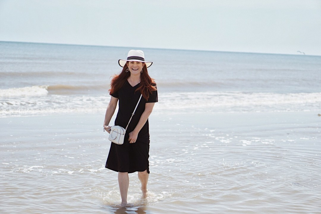 hats for summer, summers beaches, summer time beaches, beach style outfit inspiration