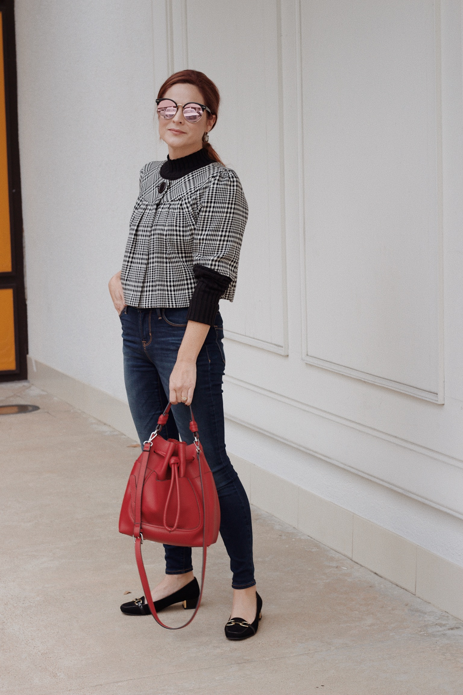 cropped blazers, houndstooth, skinny jeans, red bucket bags, classic loafers, black turtleneck