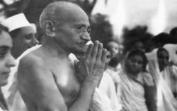 'धर्मराज युधिष्ठिर और महात्मा गांधी'