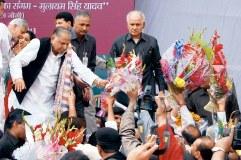 मुलायम सिंह ने मनाया 76वां जन्मदिन, पीएम ने दी बधाई