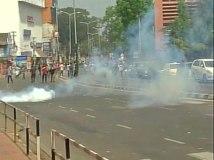 केरल: सोलर घोटाले में सीएम के खिलाफ  प्रदर्शन