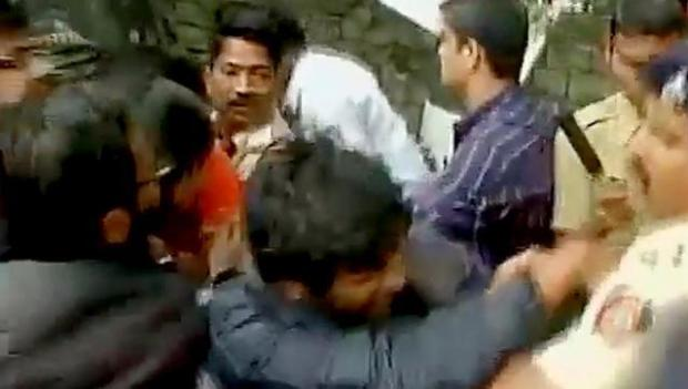 protests-aginst-gajendra-chauhans-visit-of-ftii-lathicharge