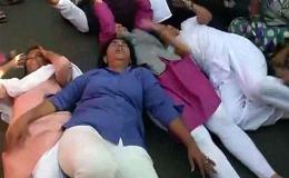 शनि मंदिर में जबरन प्रवेश,महिलाओं को हिरासत में लिया