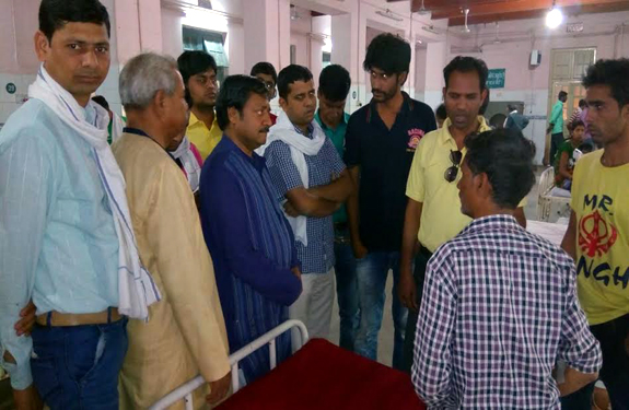alok agarwal aam aadmi party visit ujjain hospital