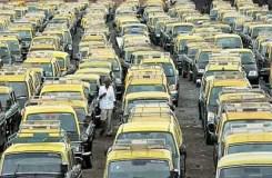 डीजल टैक्सी वालों का डीएनडी पर जाम, दिल्ली-नोएडा मार्ग अवरुद्ध