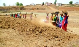 जल संवर्धन के लिए महिलाओं ने किये सामूहिक प्रयास