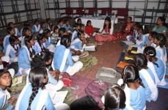 विद्यार्थी किताब की अच्छी शिक्षा को जीवन में उतारें- कलेक्टर