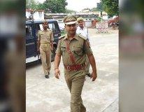 IPS हिमांशु कुमार सस्पेंड, की थी योगी सरकार की आलोचना