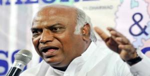 VHP, बजरंग दल और गौरक्षकों को उकसाती है मोदी सरकार