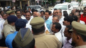 रायबरेली जा रहे अनिल दुबे सहित कई रालोद नेता गिरफ्तार