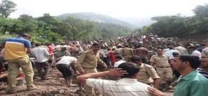 हिमाचल के मंडी में पहाड़ दरकने से हादसा, 6 की मौत