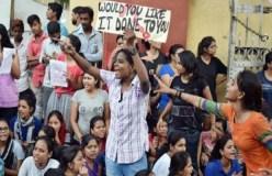 BHU: राज बब्बर हिरासत में, होस्टल खाली कराने में जुटा प्रशासन