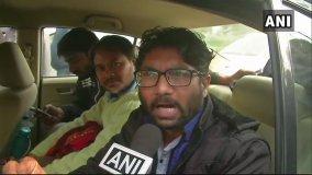 'युवा हुंकार' रैली में हुए शामिल जिग्नेश मेवाणी, नहीं पहुंचे कन्हैया कुमार