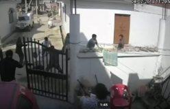 VIDEO: पत्रकार पर घर में घुसकर जानलेवा हमला, पत्नी ने गोलियां चलाई