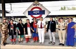 लड़कियों का रेलवे स्टेशन, रात को घबराने लगती हैं गर्ल