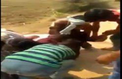 Video : आधा दर्जन मनचले लड़की के कपड़े फाड़ते रहे, वीडियो बनाते रहे बच्चे