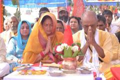 ओंकारेश्वर: दिग्विजय सिंह ने की मां नर्मदा की पूजा अर्चना